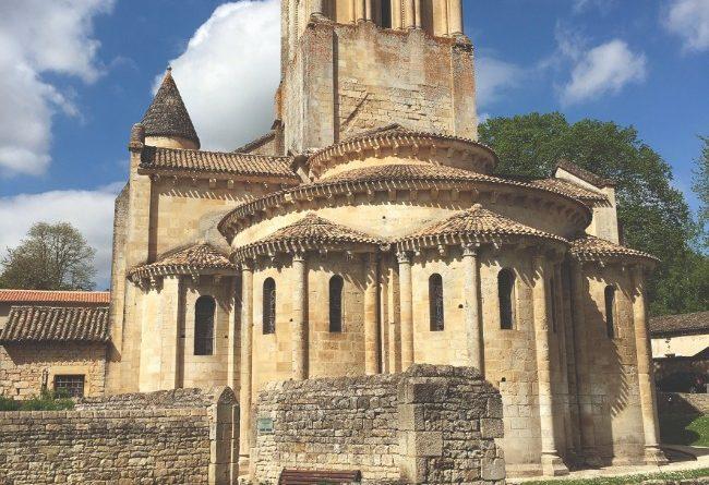Puy-Leonard Melle-Church