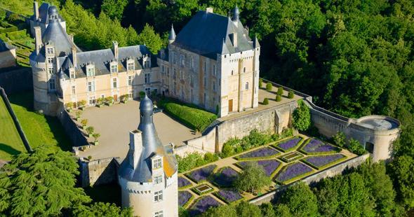 Puy-Leonard Chateau-de-Touffou