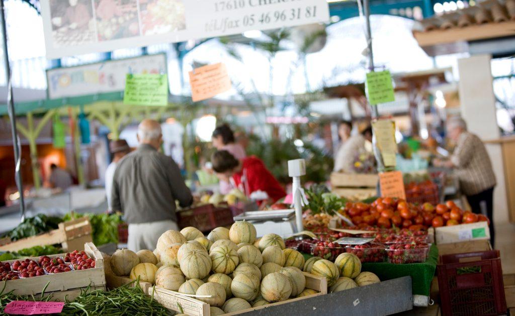 Puy-Leonard Marche Couvert Etal de Melons