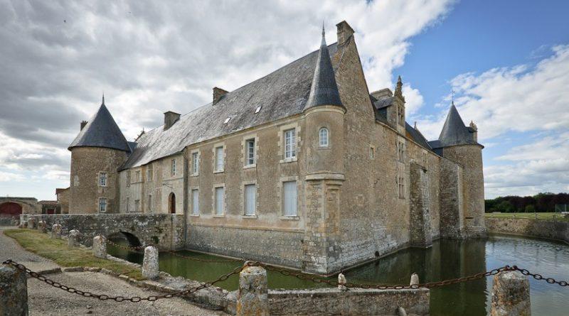 Puy-Leonard Château de Saveilles