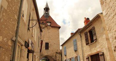 Puy-Leonard Charroux Town