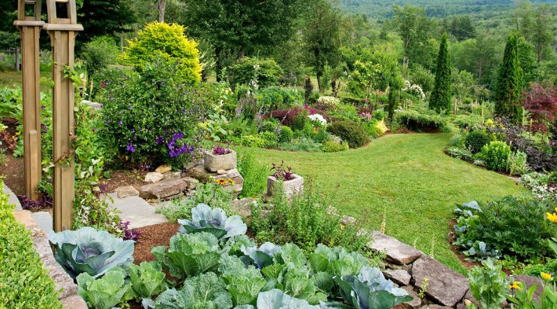Puy-Leonard Gardening